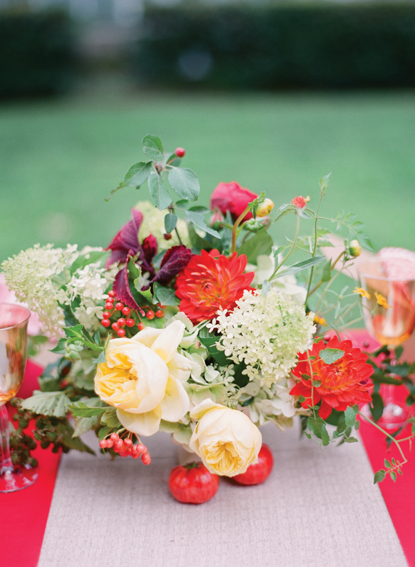 Southern-wedding-fruit-and-flower-centerpiece